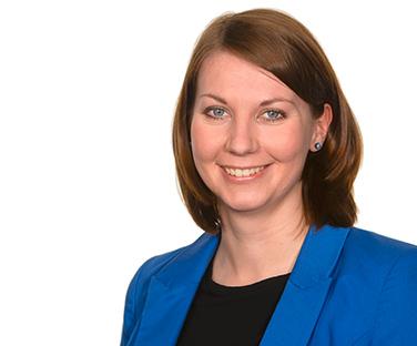 Frau <b>Christina Hutzler</b>. Steuerfachangestellte - STB_14_001_Webdesign_MA_08_gr